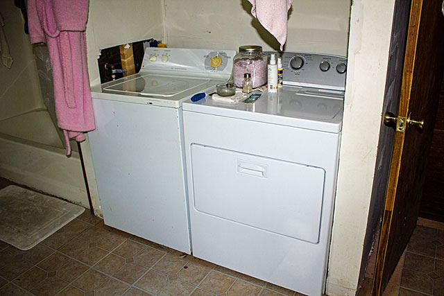laundry-nook-before-2
