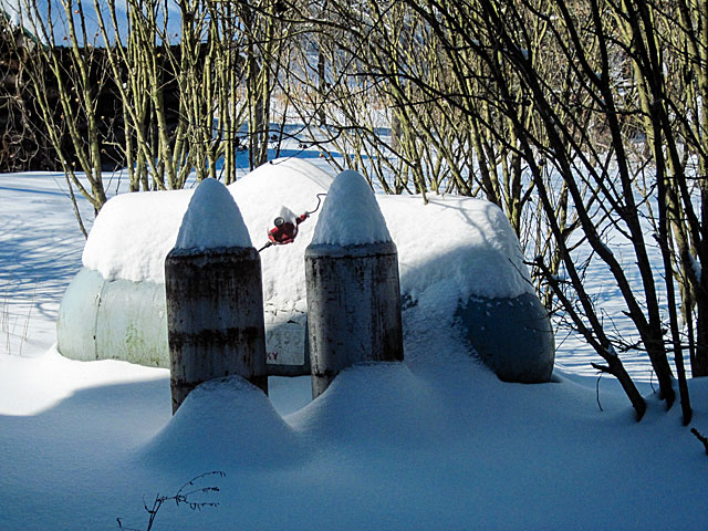 snowy-propane-bottles