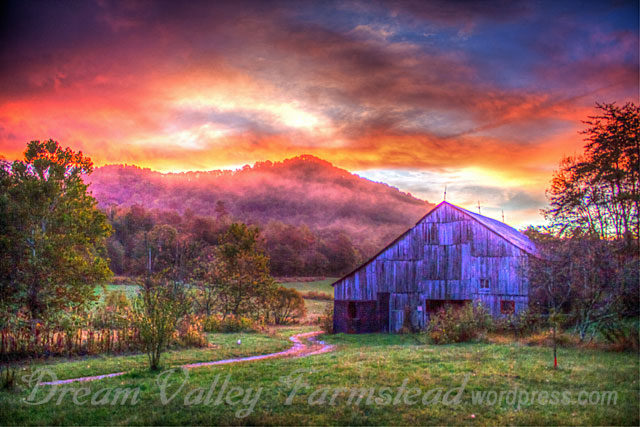 barn-n-color-sky-tonemapped.jpg